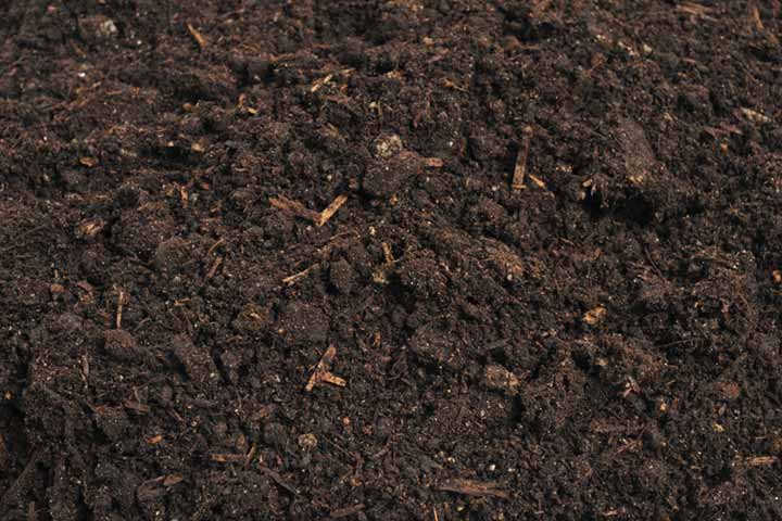 difference between topsoil and fill dirt