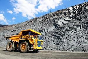 material crushing dump truck