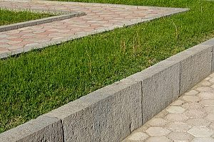 front yard retaining walls made out of concrete