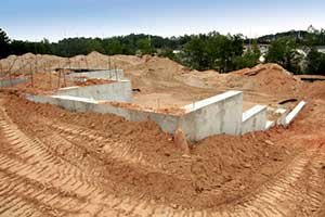 fill dirt around foundation of new home
