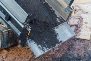 Truck Disposing DIrt