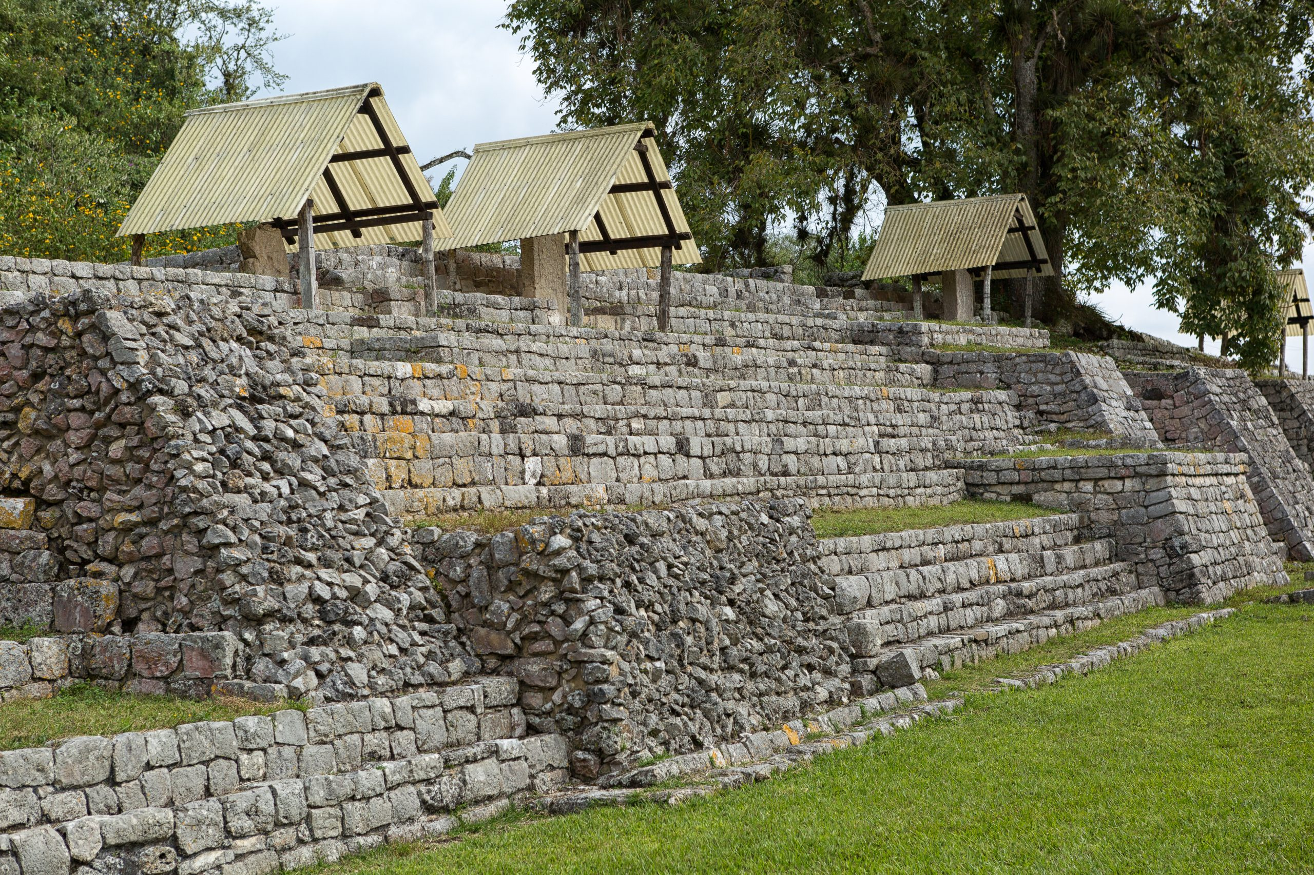 buttressed retaining wall