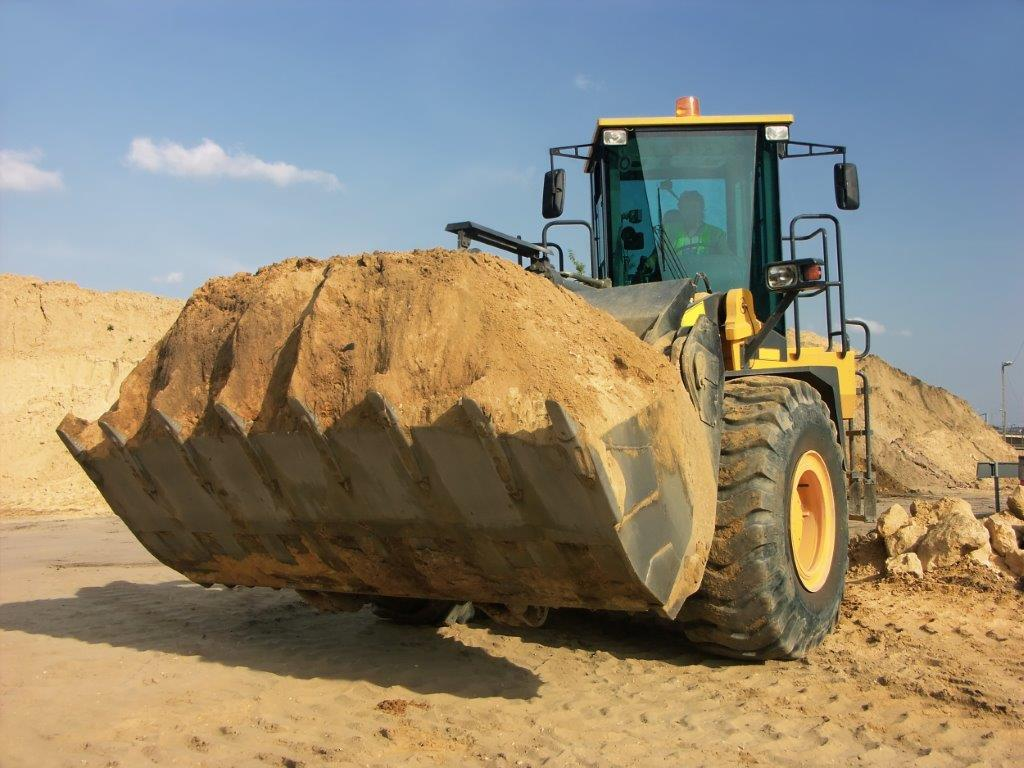 rubber tire front end loader dirt connections