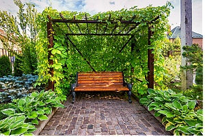 Archway landscaping idea for small backyard