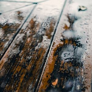 damaged wood from not waterproofing
