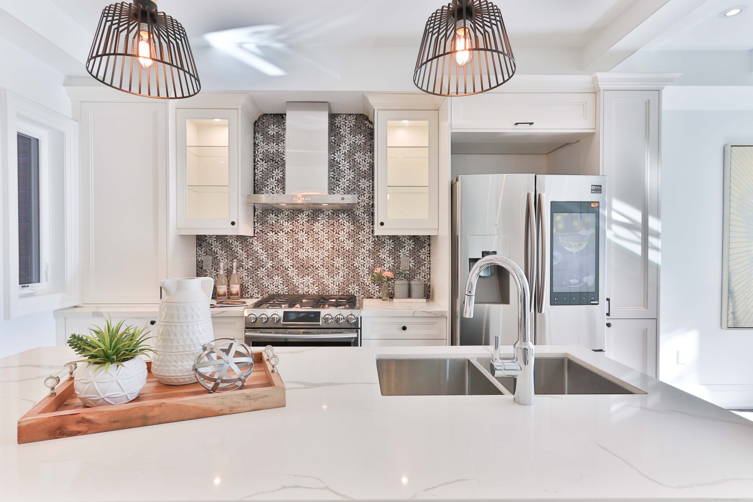 beautiful kitchen lighting by the dirt connections remodeling team