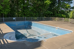 in ground swimming pool ready for replacement